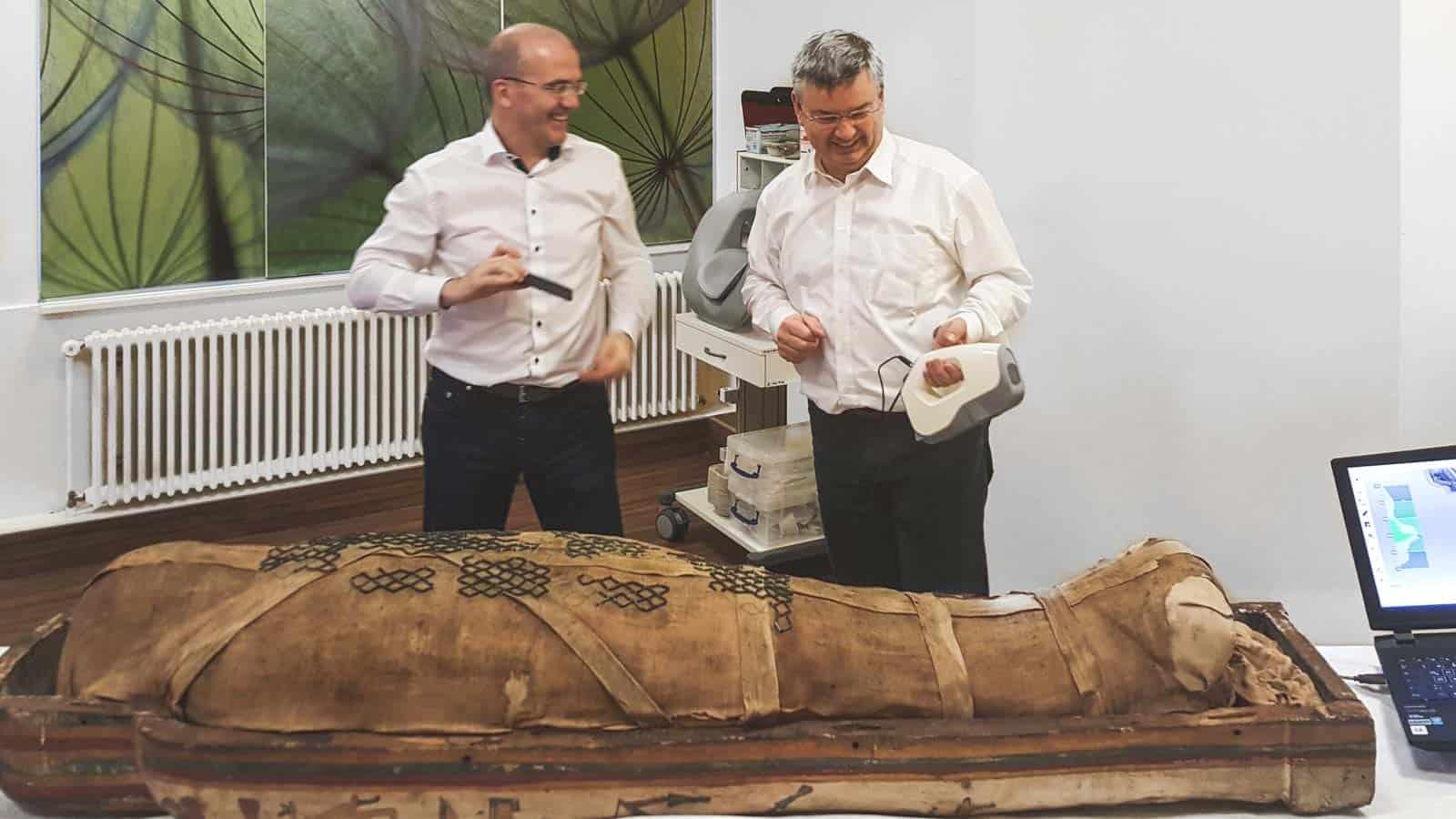 2450 Jahre alte Mumie digitalisiert!